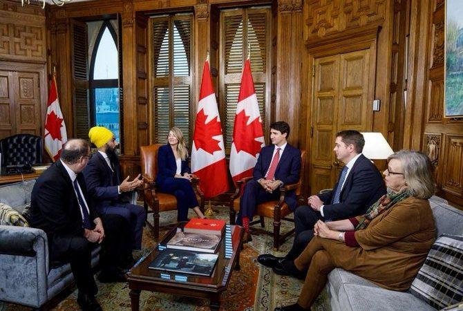 加拿大聯邦政黨領袖難得共處一室!
